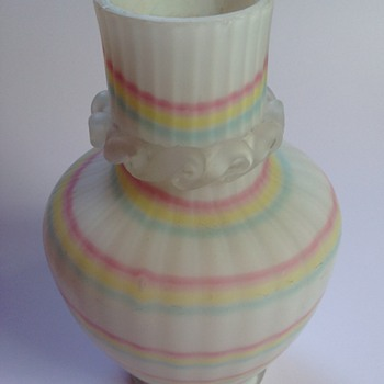 Victorian ribbed satin glass vase with rainbow swirl & rigaree - Art Glass