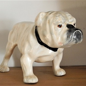 1930s English china Bulldog in the style of Frederick Daws - Animals