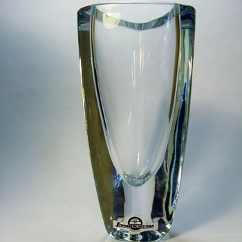 STROMBERGSHYTTAN -SWEDEN /VASE /B868  - Art Glass