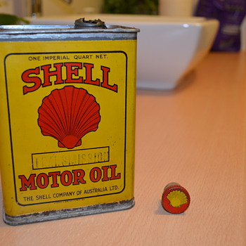 1940s Shell quart tin - Petroliana