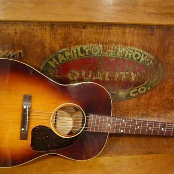 1944 LG2 Banner Gibson  - Guitars