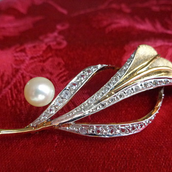 Vintage Sterling Pin with Natural Pearl - Fine Jewelry