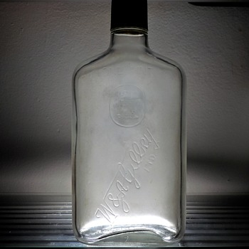 1971 W&A Gilbey Embossed Whiskey Bottle Owens Illinois Clear Glass Liquor Pint Frosted - Bottles