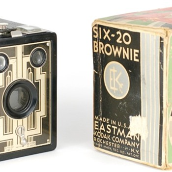 Six-20 Brownie USA model Christmas Package - Cameras