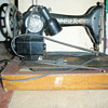 ANTIQUE OLD SEWING MACHINE BY SINGER