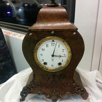 "Seth Thomas ""French"" style clock - Clocks"