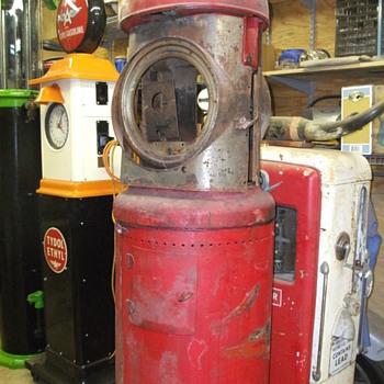 3 new pumps  - Petroliana
