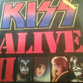 "Kiss  "" Alive 11"" - Records"