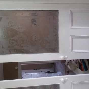 Etched glass doors in old apt. building in Newark NJ; what year? - Art Glass