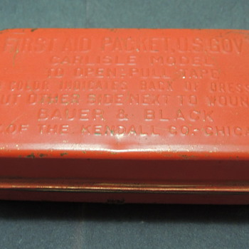 WWII First Aid Packet, U.S. Gov't - CARLISLE MODEL - Military and Wartime