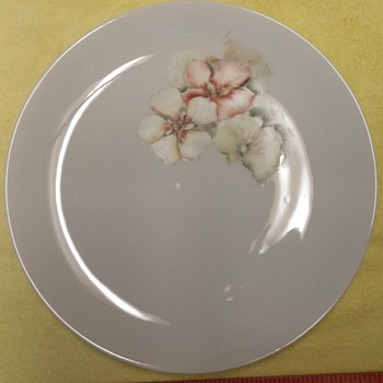 """Hand-painted Plate """"Floral"""" - Glassware"""