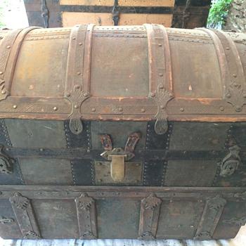 Trunk (Cross slat /barrel top)  Found in Upstate New York - Furniture