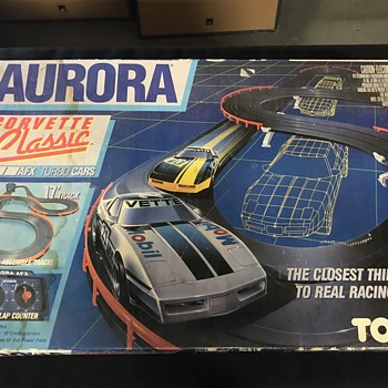 Three Aurora Ho race tracks  - Model Cars