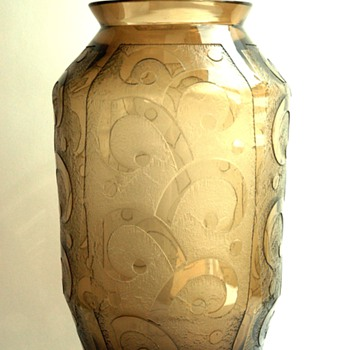 french art deco acid etched glass vase by DAUM NANCY - Art Deco