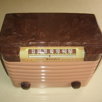 1940's  Plasic Swirl Bendix Tube Radio Model 114 from 1948