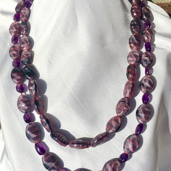 Necklace Made Of Polished Amethyst Nuggets & Puple And Wine Colored Glass Beads - Costume Jewelry