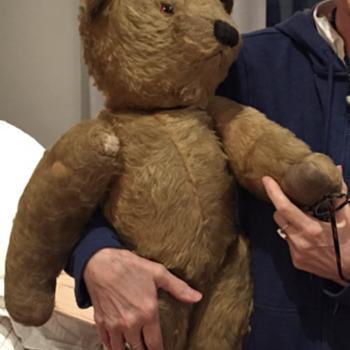 Help identifying my mum's bear.  - Dolls