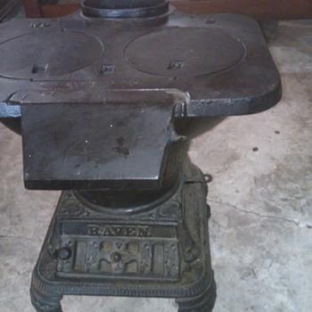 Raven stove