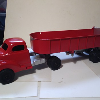 Hubley Dump Truck Project - Model Cars