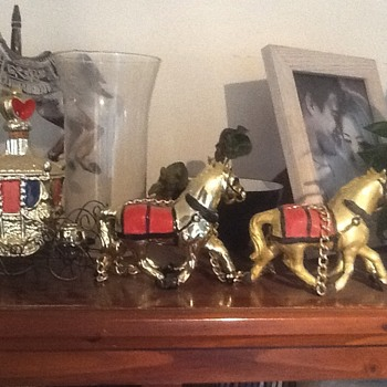 Retro Kitsch Gold Horse Drawn Carriage - China and Dinnerware