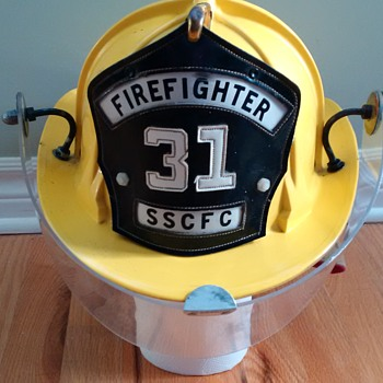 Vintage Cairns & Brother Fire Helmet from 1969 - Model 880 - Firefighting