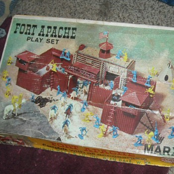 Marx Fort Apache Playset #3681 - Toys