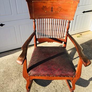 Pressed back rocker - Furniture