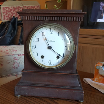 Seth Thomas steeple mantle clock. - Clocks