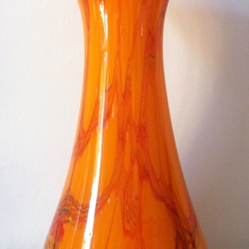 Large tango wave vase with reference to earlier posts - Art Glass