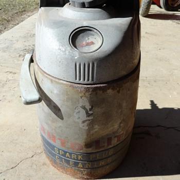 Auto - Light Spark Plug Cleaning System - Petroliana