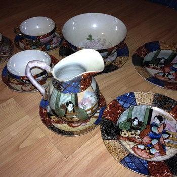 Is the Chinese tea set real??