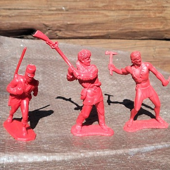 Auburn Rubber Indian Pioneer and Mexican Soldier 70mm 1950s - Toys