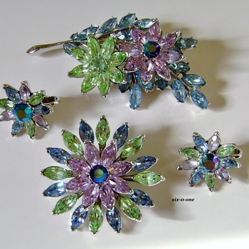 Trifari Set - Costume Jewelry