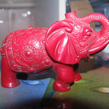 Coral red elephant - Animals