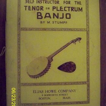 1916 Banjo self instruction manual/with original pick - Music Memorabilia