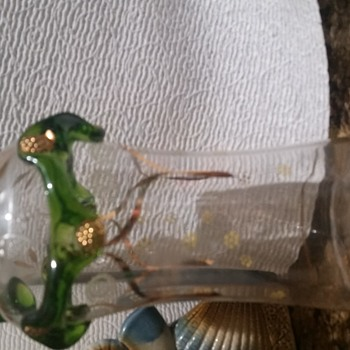 Trying to identify this style and maker - Art Glass