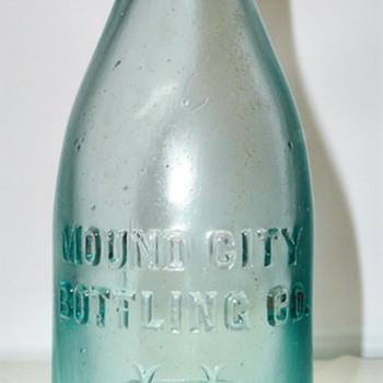 Mound City Bottling Co. / St. Louis, Missouri - Bottles