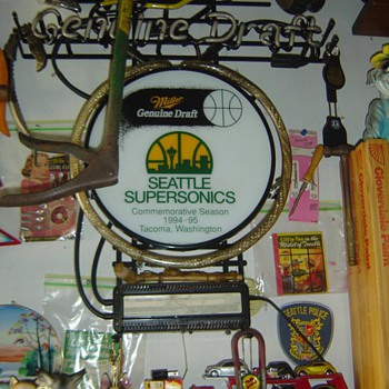 1995 Seattle SuperSonics Neon Beer Sign   - Breweriana