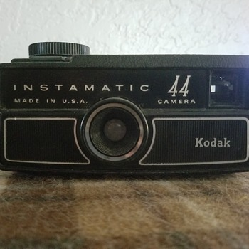 Kodak instamatic 44 - Cameras