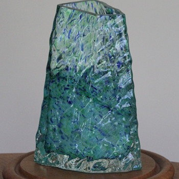 Itoko Iwata - the feminine artist - Art Glass