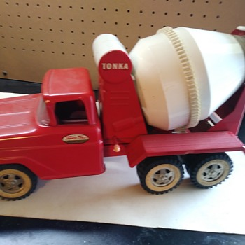 Tonka Cement Truck - Model Cars