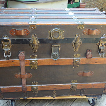 Flat top trunk late 1800s (my baby!) - Furniture