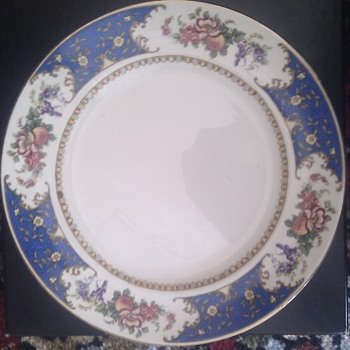 Late Victorian Dinner Service - China and Dinnerware