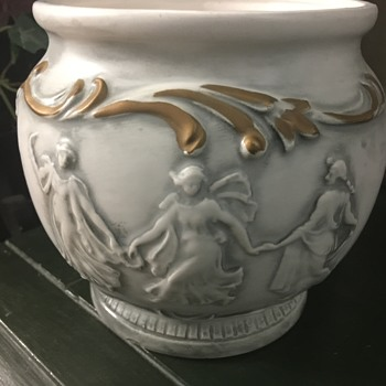 Pretty ceramic piece - Pottery