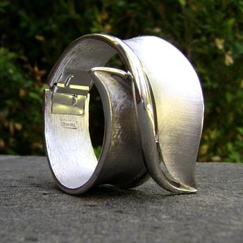 Vintage Trifari Bracelet - Cuffs A La Mode Series