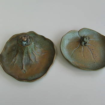 2 McClelland Barclay Bronze Frogs Trays - Animals
