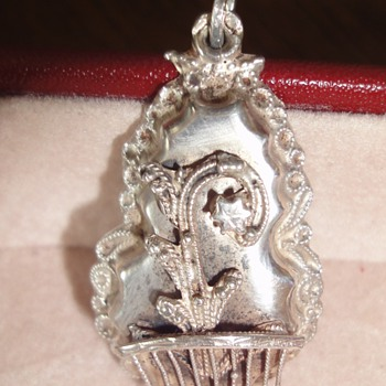 Silver Dutch Peasant Pendant 19th Century - Fine Jewelry