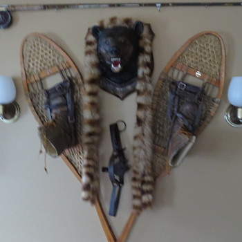 Canadian Snowshoes from ate 1940's..and accessories - Sporting Goods