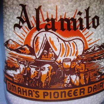 Alamito Dairy (Omaha Nebraska) Cream Top Quart Milk Bottle.... - Bottles