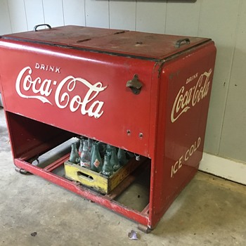1939 Westinghouse Coca-Cola icebox - Coca-Cola